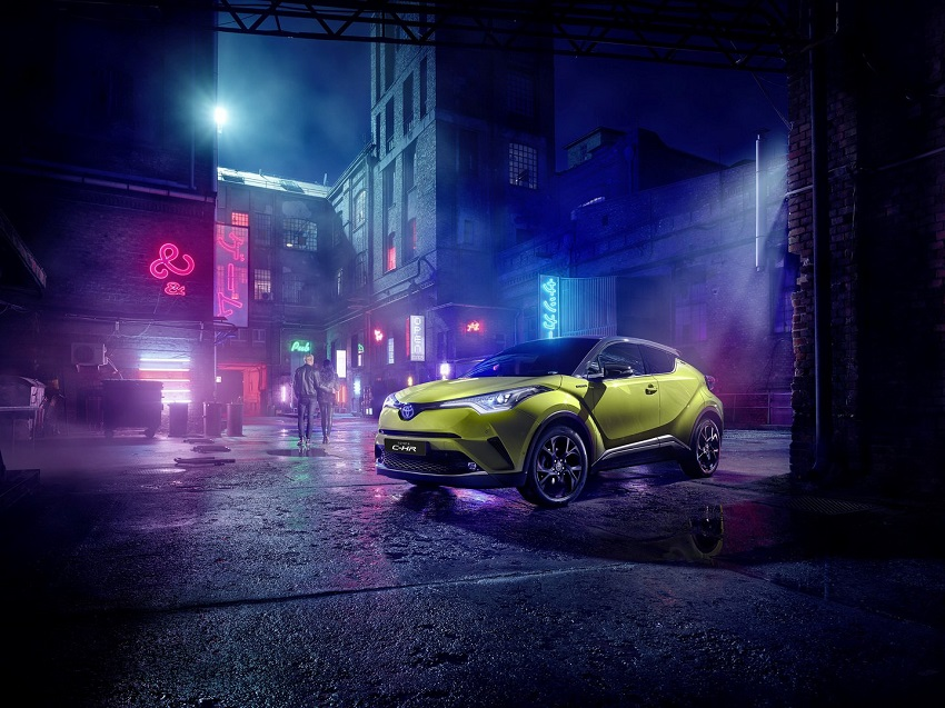 xe Toyota C-HR neon Lime