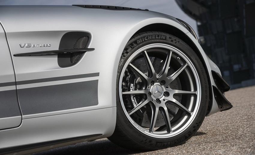 mẫu xe Mercedes AMG GT R Pro 2020