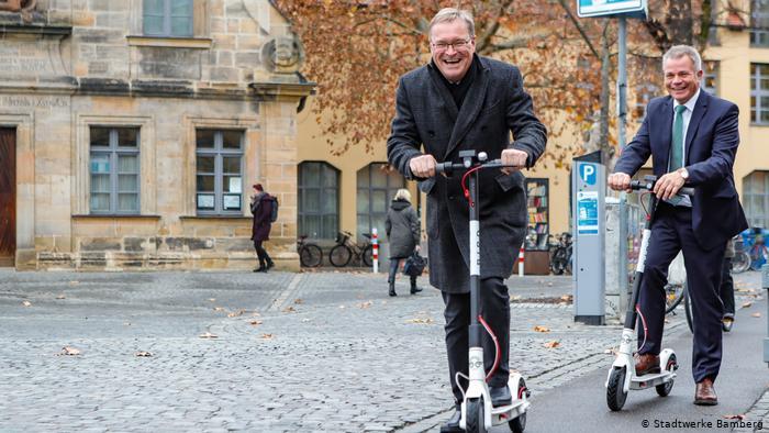 Đức cho phép xe điện scooter tham gia lưu thông trên đường phố - 1
