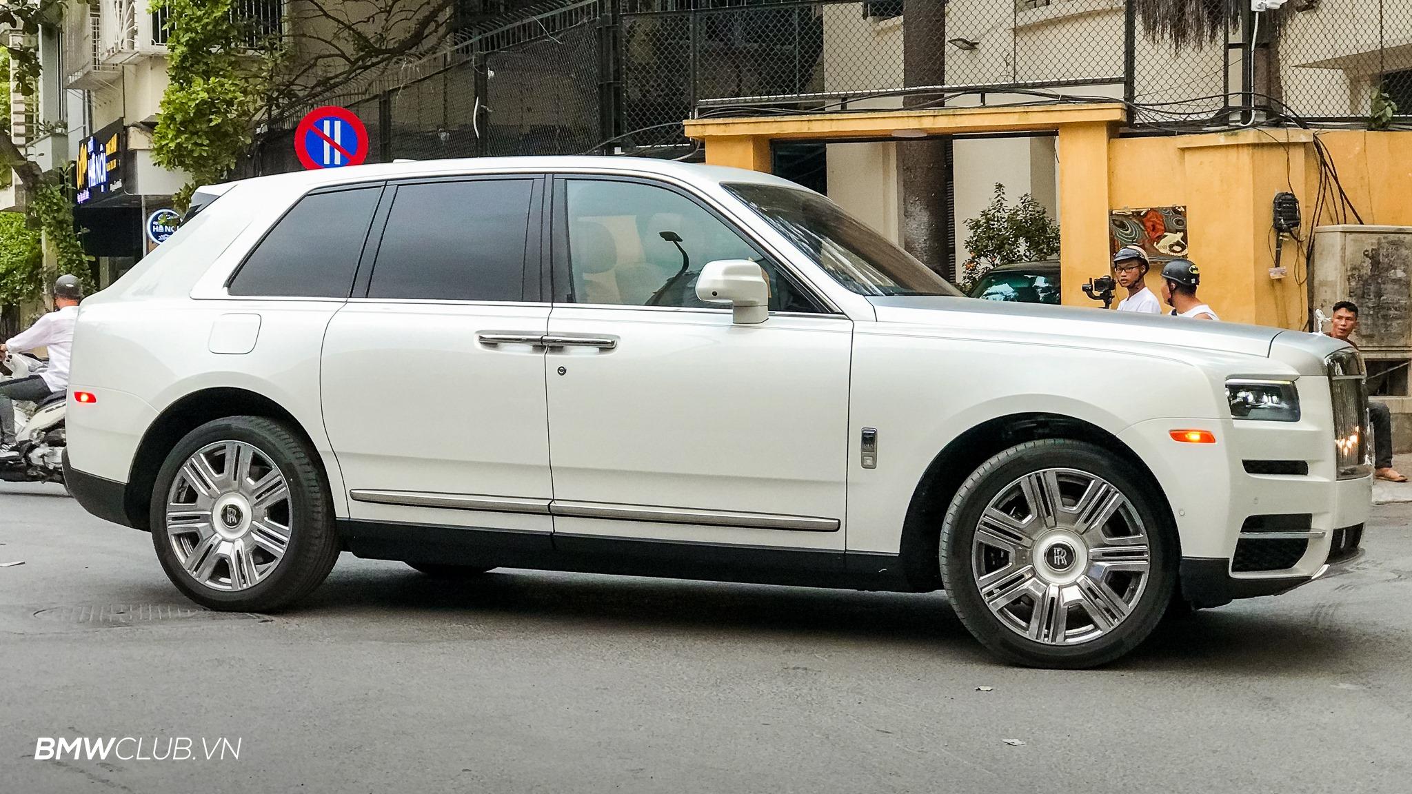 Rolls-Royce Culliman giá hơn 41 tỷ đồng đầu tiên về Việt Nam - 03