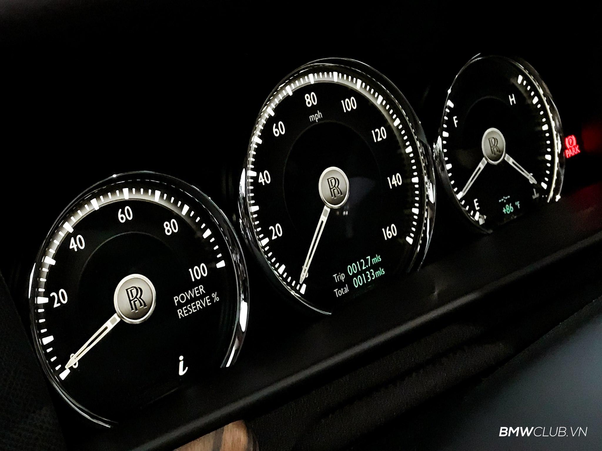 Rolls-Royce Culliman giá hơn 41 tỷ đồng đầu tiên về Việt Nam - 06