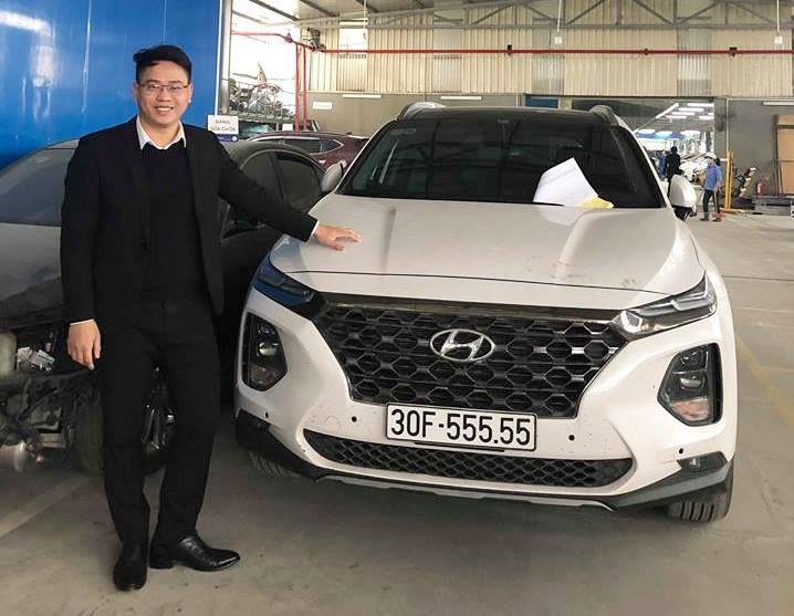 Chủ nhân mẫu Hyundai Santa Fe 2019 mới vừa bấm được biển kiểm soát cực đẹp 30F -555.55 tại Hà Nội khiến giá giao dịch của chiếc xe có thể lên tới 3 tỷ đồng.