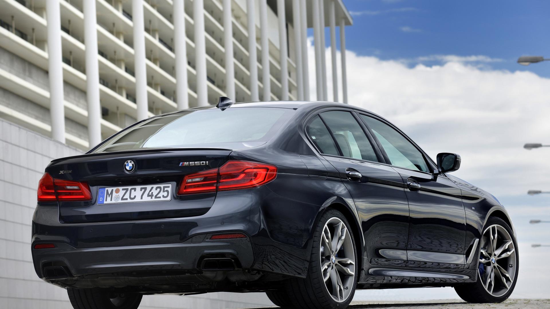 BMW M550i 2020 trang bị động cơ V8 4.4L - 07