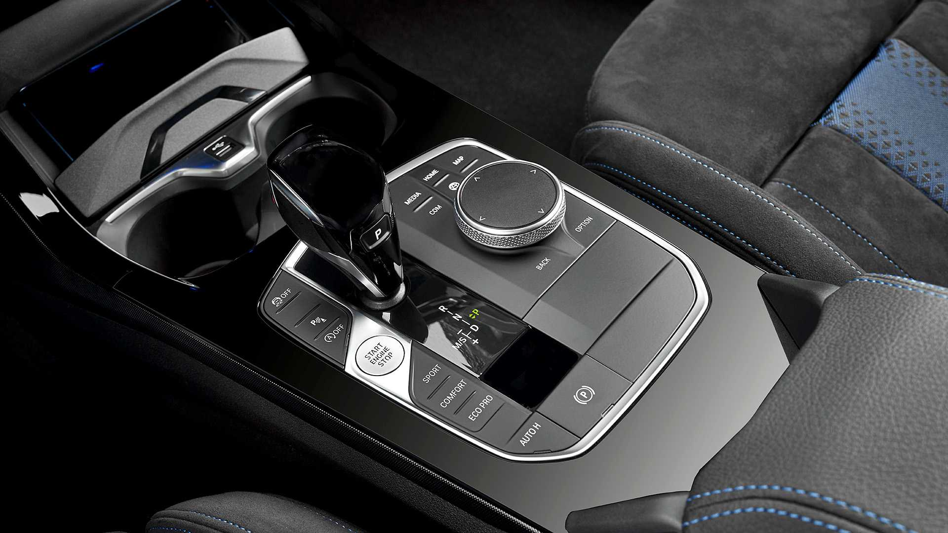 BMW 1 Series thế hệ mới, chiếc hatchback cỡ nhỏ chất không kém đàn anh X2 24