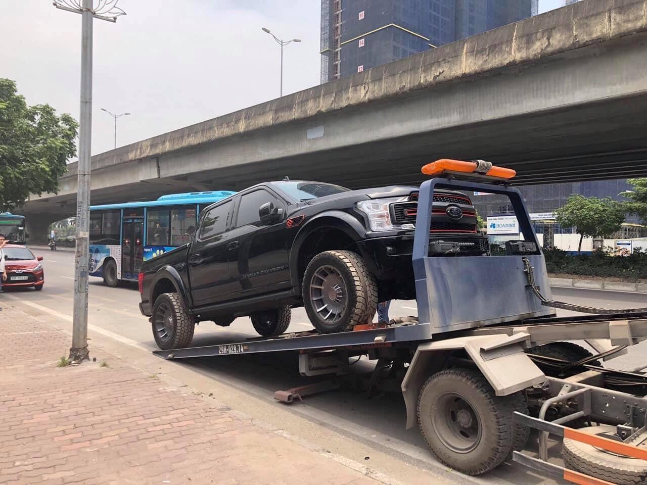 Bán tải Ford F-150 Harley-Davidson bản hiếm về Việt Nam - 9