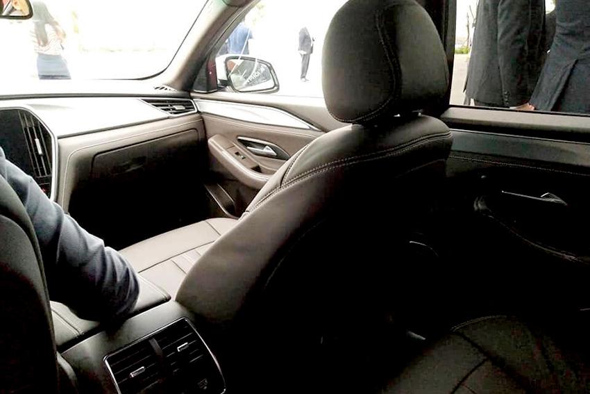 VinFast Fadil và SUV Lux SA 2.0 bản thương mại xuất hiện ảnh thực tế tại Hải Phòng 17