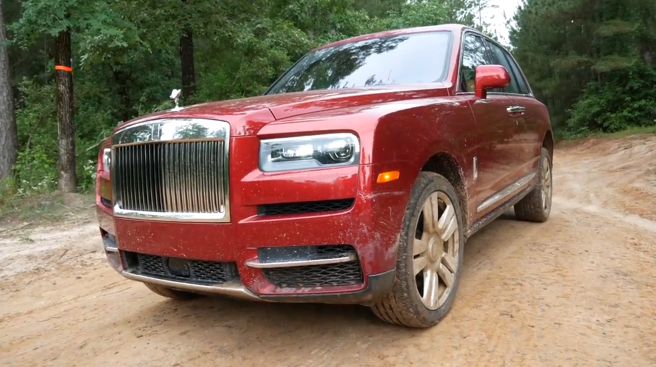 SUV siêu sang Rolls-Royce Cullinan trị giá 400.000 USD đi offroad 5
