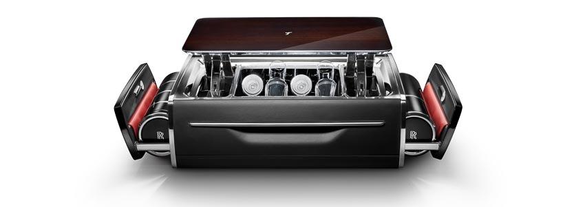 Rolls-Royce ra mắt bộ phụ kiện cao cấp Rương sâm-panh 1