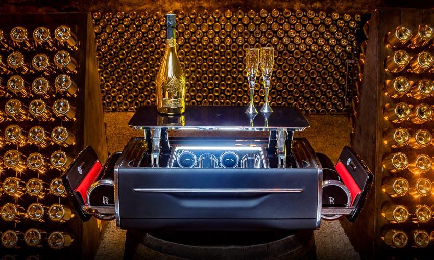Rolls-Royce ra mắt bộ phụ kiện cao cấp Rương sâm-panh 10
