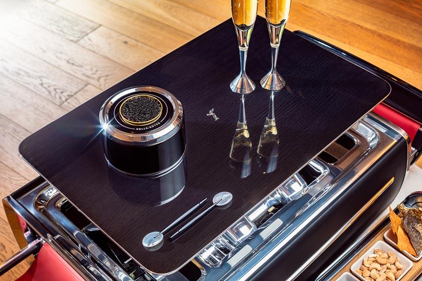 Rolls-Royce ra mắt bộ phụ kiện cao cấp Rương sâm-panh 8