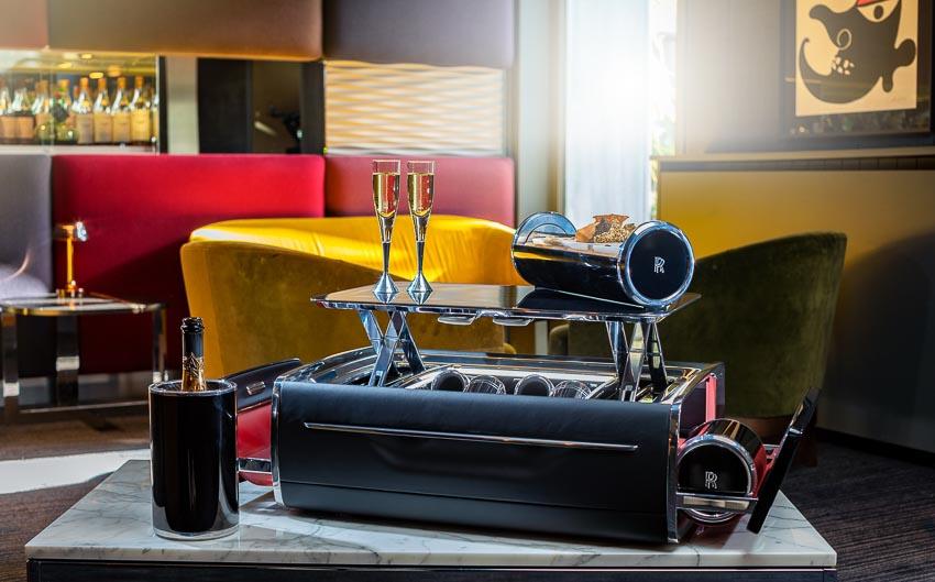 Rolls-Royce ra mắt bộ phụ kiện cao cấp Rương sâm-panh 9