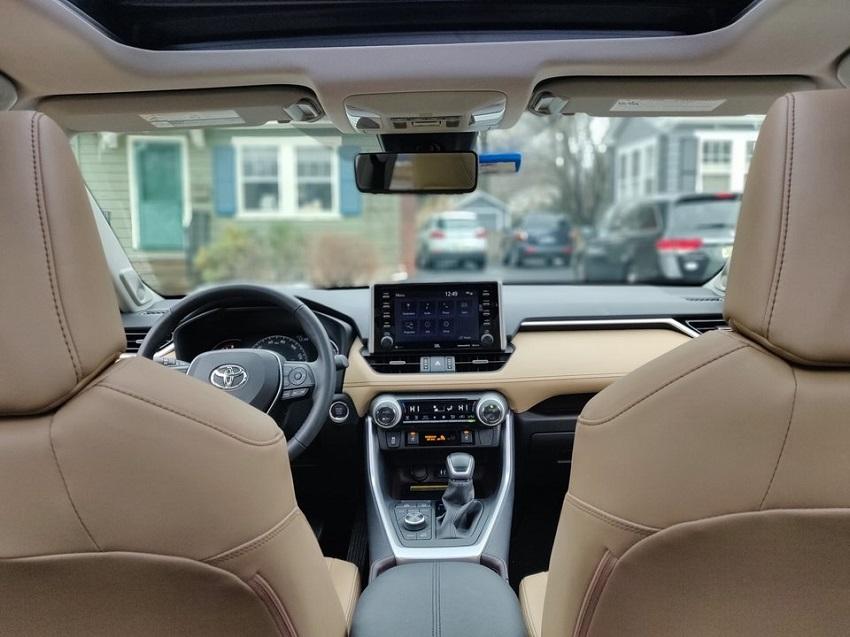So sánh Toyota RAV4 và Subaru Forester 25