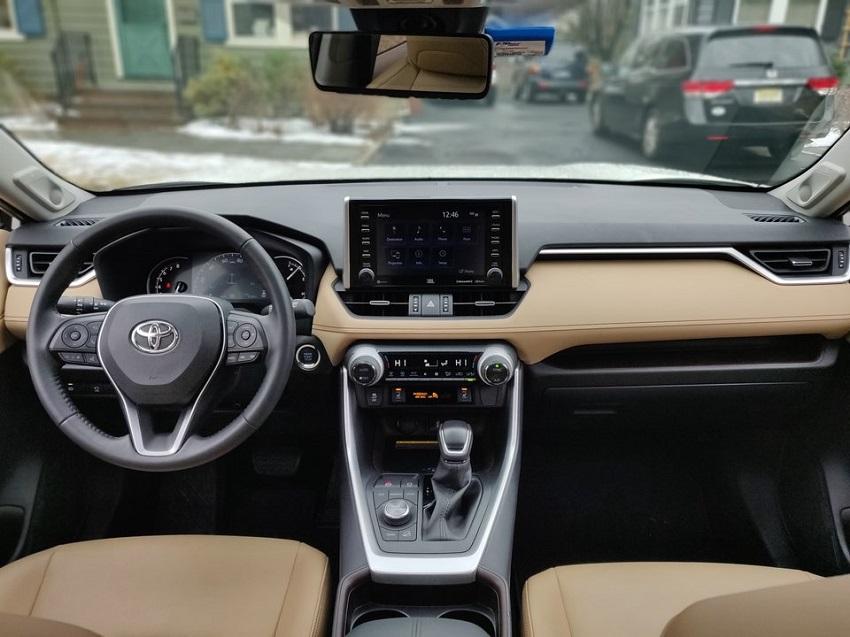 So sánh Toyota RAV4 và Subaru Forester 27