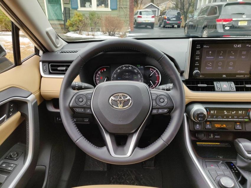 So sánh Toyota RAV4 và Subaru Forester 28