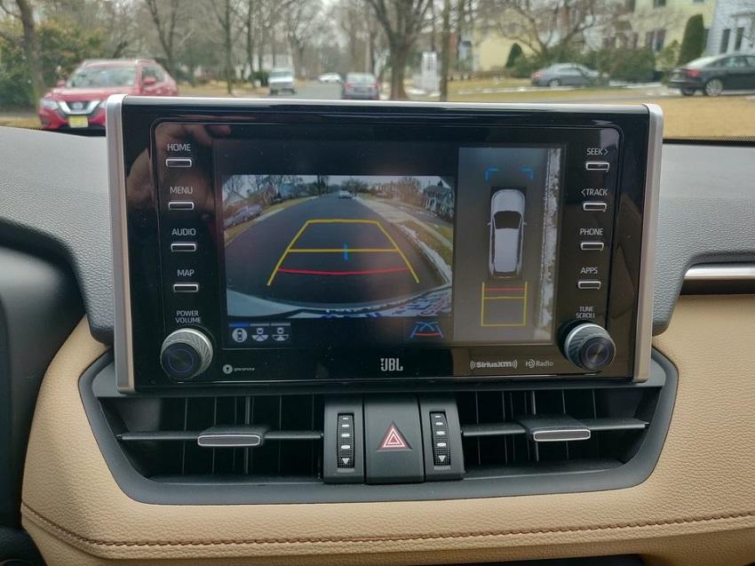 So sánh Toyota RAV4 và Subaru Forester 36