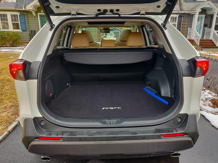 So sánh Toyota RAV4 và Subaru Forester 40