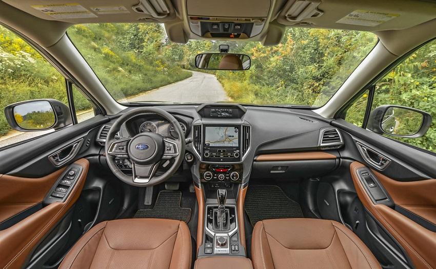 So sánh Toyota RAV4 và Subaru Forester 8