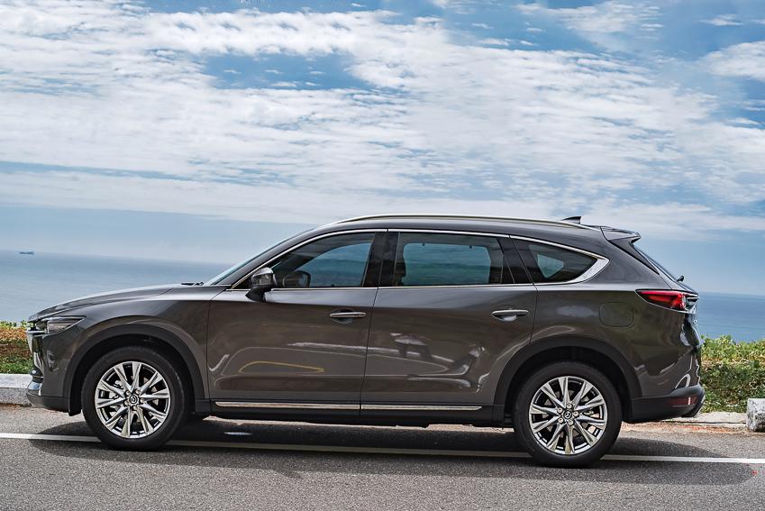 Mazda CX-8 mới ra mắt với 3 phiên bản - 18