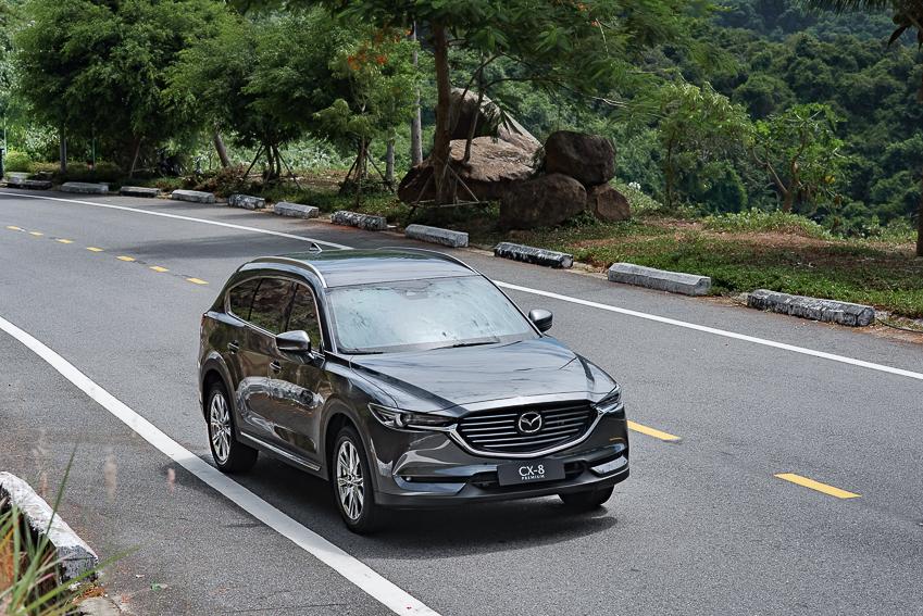 Mazda CX-8 mới ra mắt với 3 phiên bản - 19