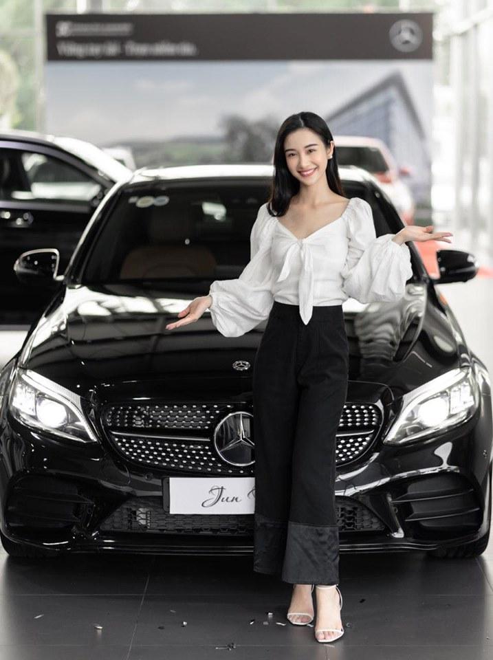 Diễn viên Jun Vũ tậu xe sang mừng sinh nhật tuổi 24 - 5
