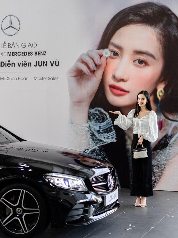 Diễn viên Jun Vũ tậu xe sang mừng sinh nhật tuổi 24 - 6