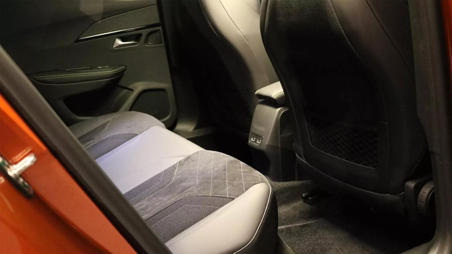 Peugeot giới thiệu thế hệ mới 200 - 21