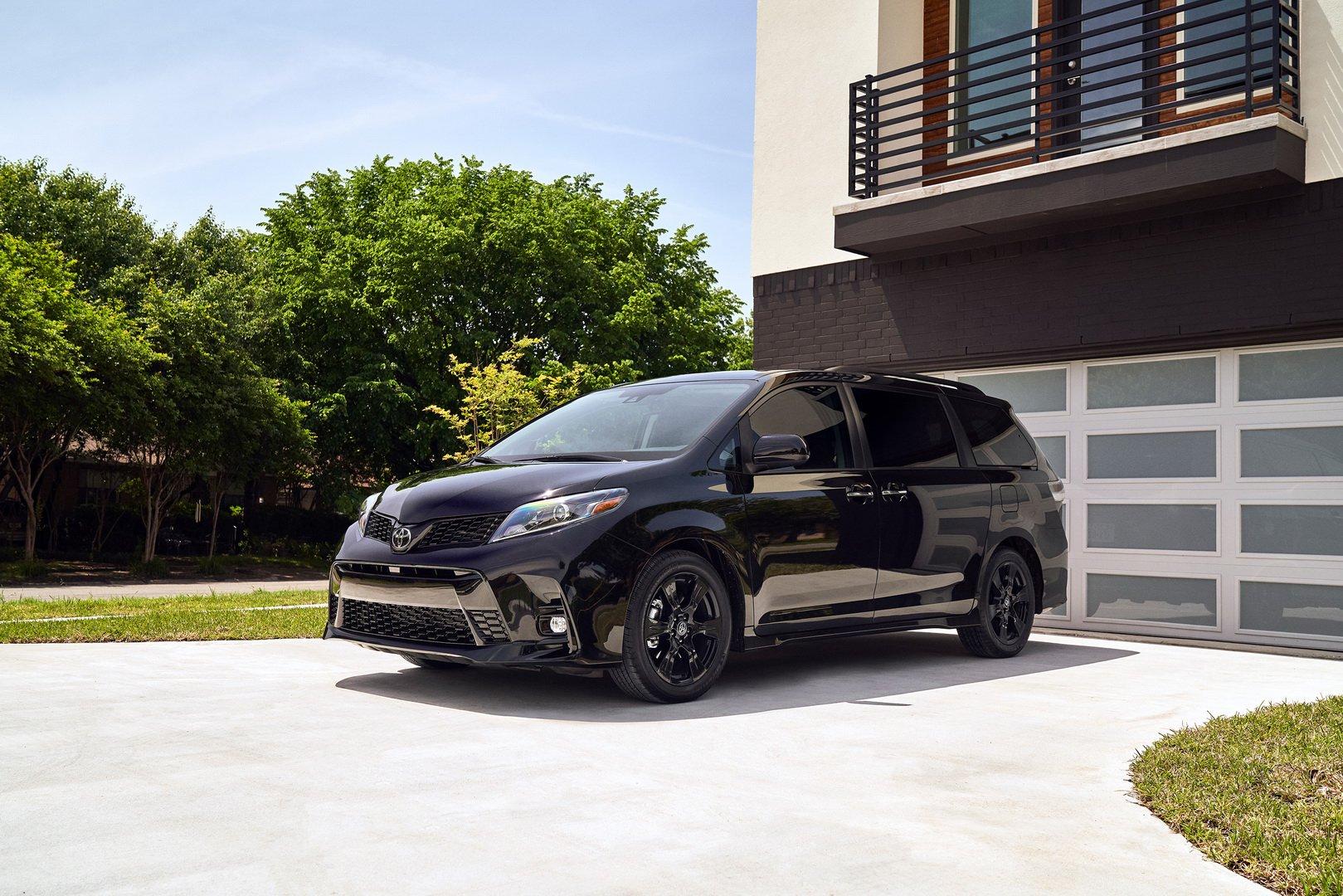Toyota ra mắt Sienna phiên bản Nightshade Edition cho năm 2020 - 1