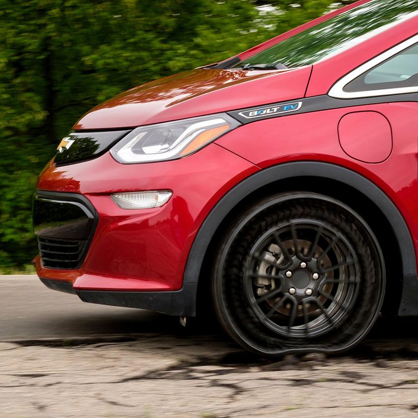 GM và Michelin thử nghiệm lốp không hơi - 6