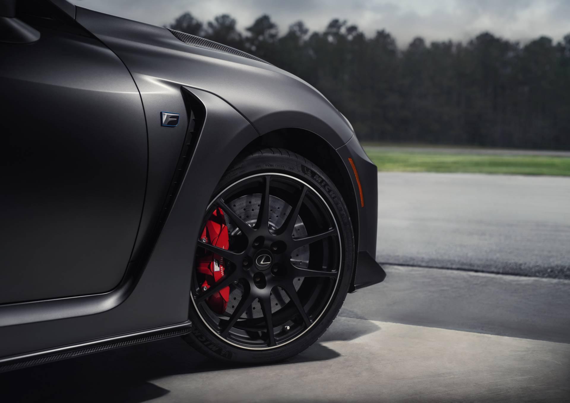 """Lexus RC F cùng điệp vụ áo đen trong """"Men in Black"""" 9"""
