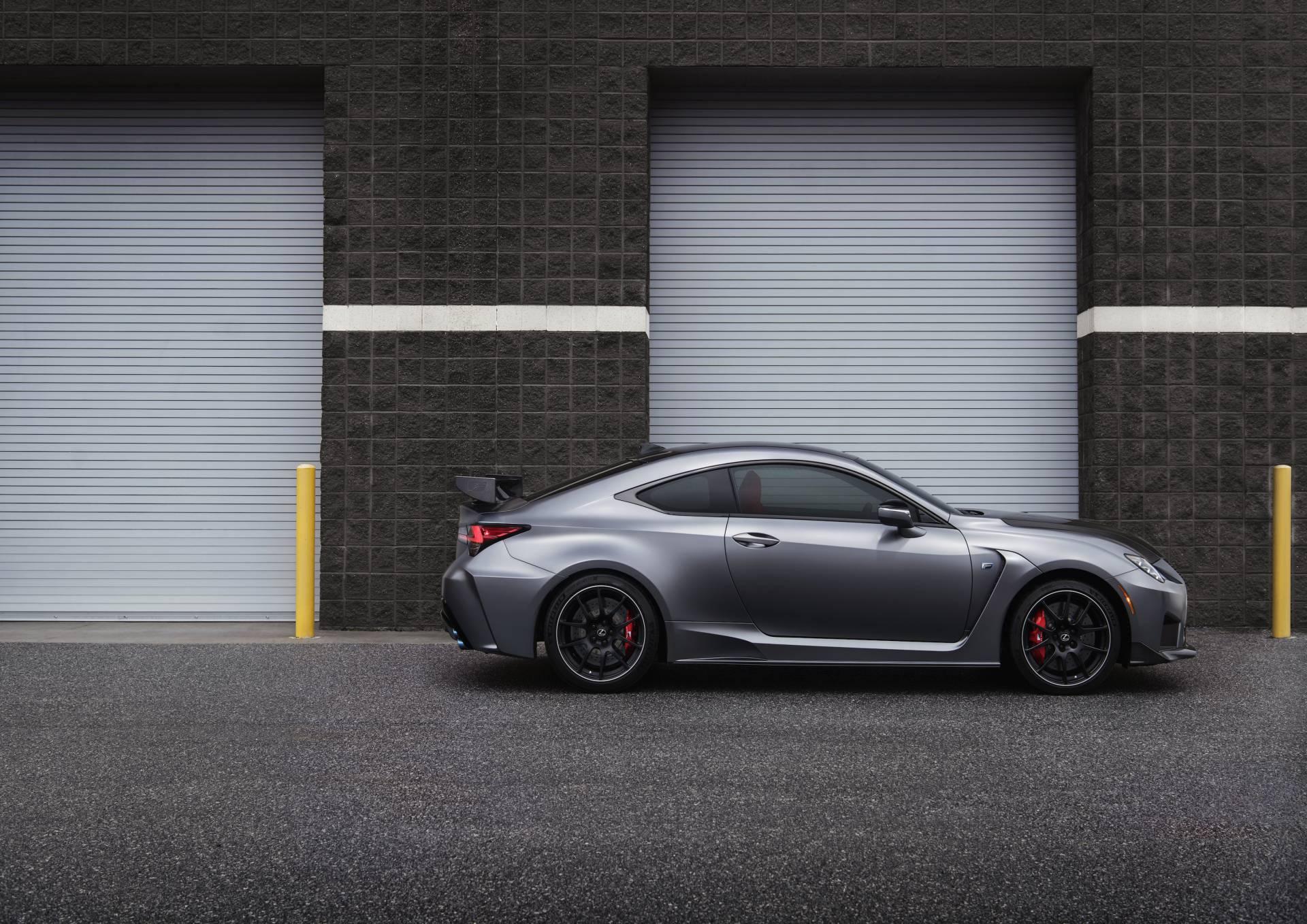 """Lexus RC F cùng điệp vụ áo đen trong """"Men in Black"""" 10"""
