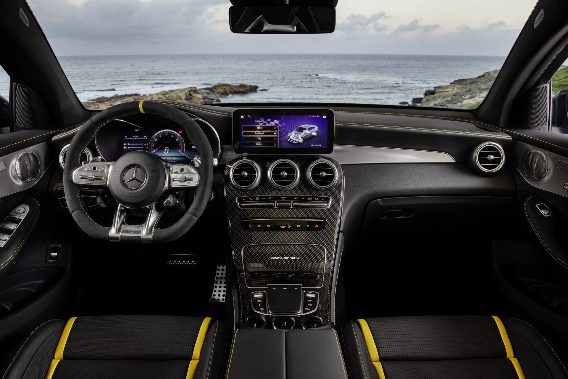 Mercedes AMG GLC 63 phiên bản mạnh nhất có giá từ 2,2 tỷ đồng tại Anh - 08