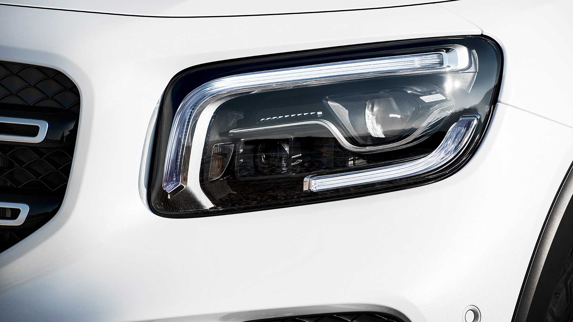 Mercedes-Benz GLB gây bất ngờ với thiết kế 7 chỗ dành cho gia đình - 27