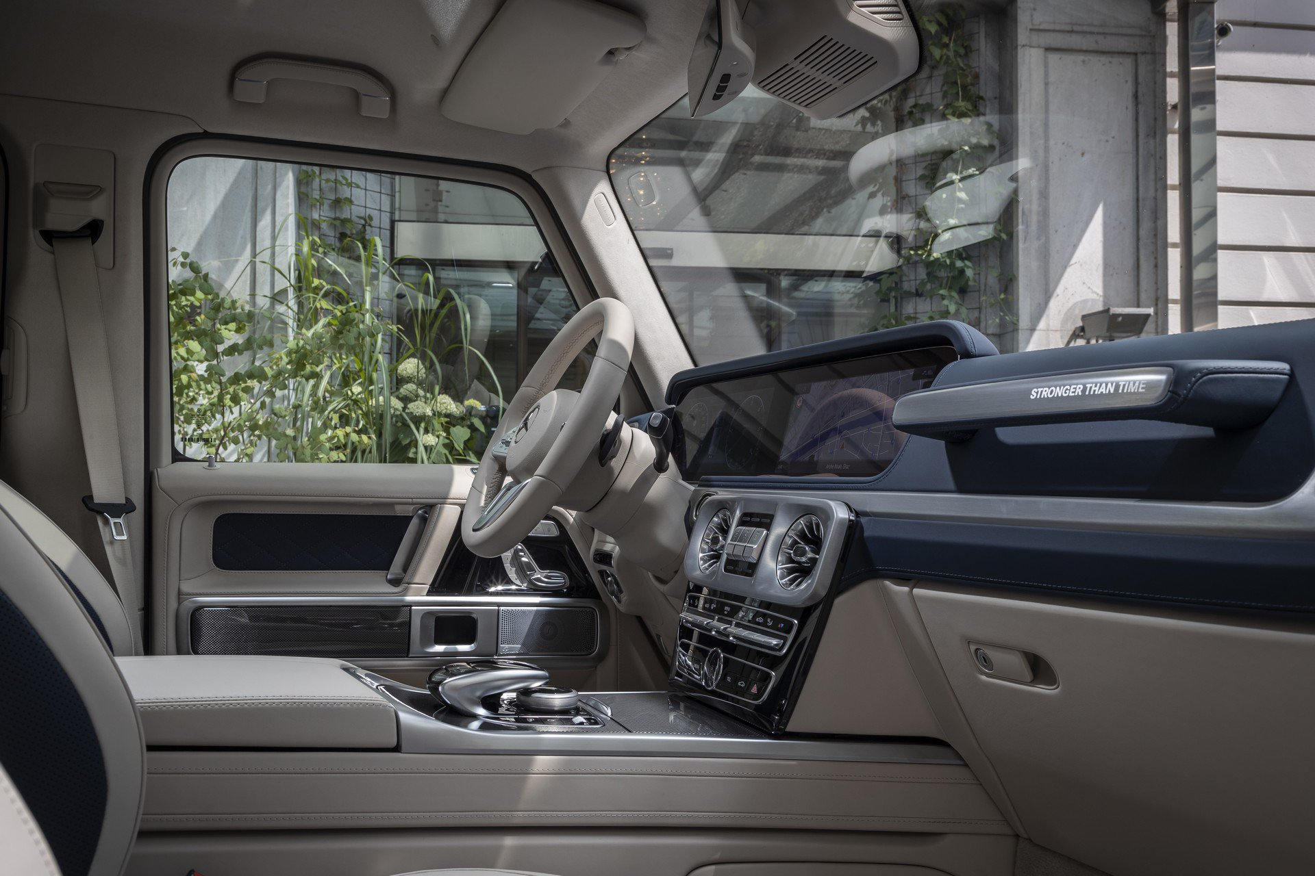 """Mercedes G-Class phiên bản đặc biệt """"Stronger Than Time"""" kỷ niệm 40 năm - 5"""