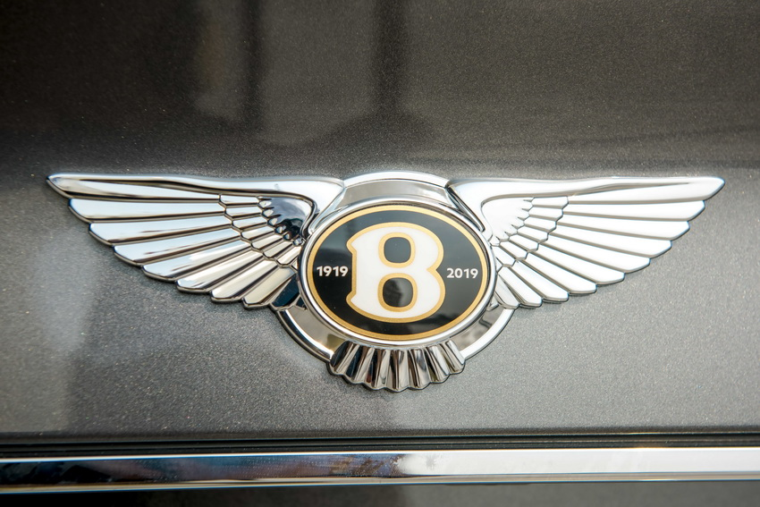 Phiên bản Bentley Centenary Gold kỷ niệm 100 năm có mặt tại Việt Nam 5