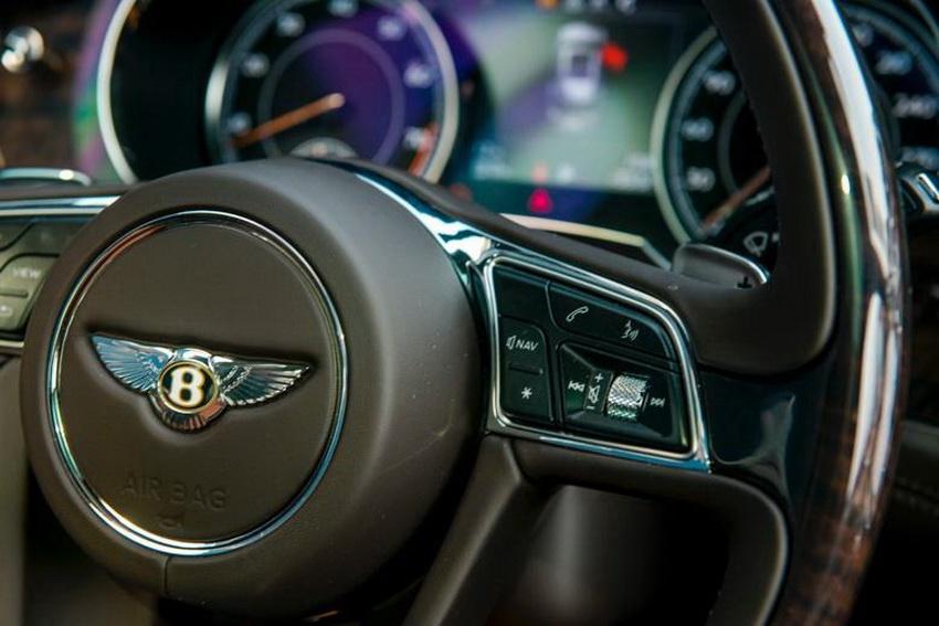Phiên bản Bentley Centenary Gold kỷ niệm 100 năm có mặt tại Việt Nam 3