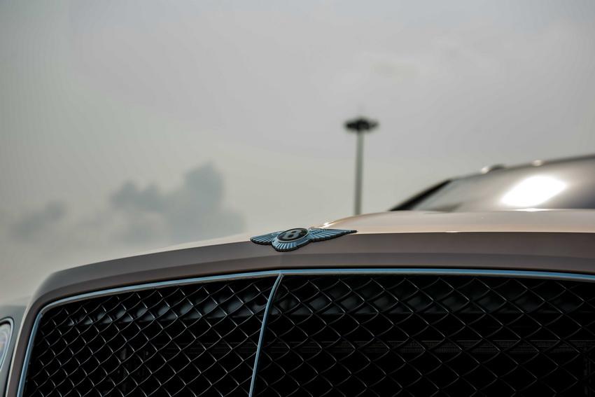 Phiên bản Bentley Centenary Gold kỷ niệm 100 năm có mặt tại Việt Nam 7