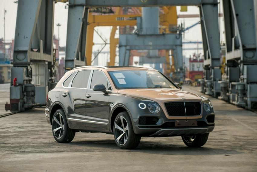 Phiên bản Bentley Centenary Gold kỷ niệm 100 năm có mặt tại Việt Nam 12