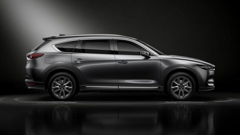 Mazda CX-8 dài hơn nhưng hẹp hơn Hyundai SantaFe - 1