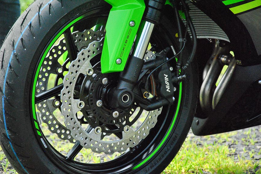 Cận cảnh mẫu xe môtô Kawasaki Ninja ZX-6R 2019 mới về Việt Nam - 10