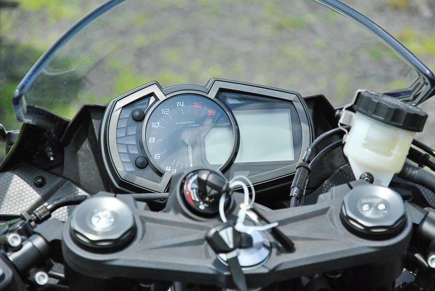 Cận cảnh mẫu xe môtô Kawasaki Ninja ZX-6R 2019 mới về Việt Nam - 11