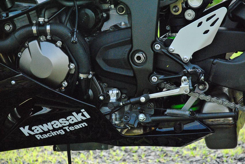 Cận cảnh mẫu xe môtô Kawasaki Ninja ZX-6R 2019 mới về Việt Nam - 5