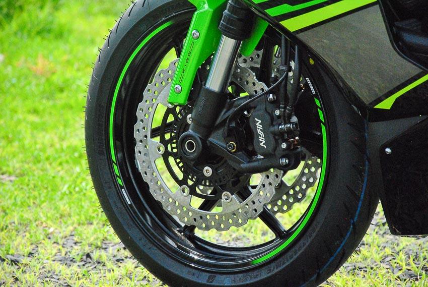 Cận cảnh mẫu xe môtô Kawasaki Ninja ZX-6R 2019 mới về Việt Nam - 7