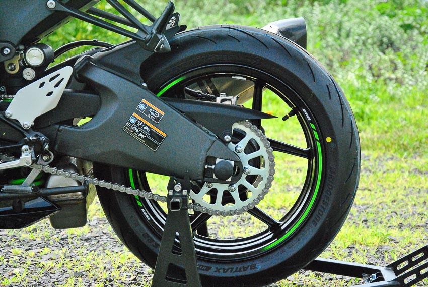 Cận cảnh mẫu xe môtô Kawasaki Ninja ZX-6R 2019 mới về Việt Nam - 8