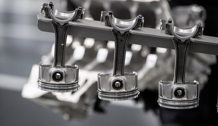 Động cơ bốn xi lanh tăng áp mới của Mercedes-AMG có công suất 382 mã lực ở dòng A45 và 415 mã lực ở dòng A45 S - 12