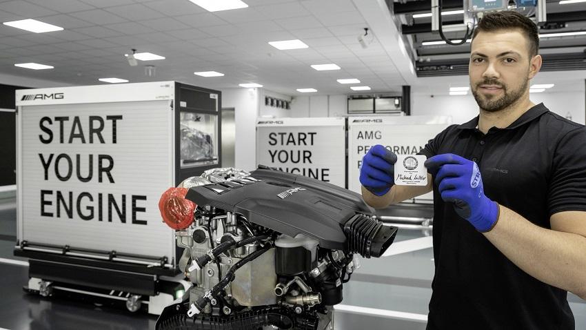 Động cơ bốn xi lanh tăng áp mới của Mercedes-AMG có công suất 382 mã lực ở dòng A45 và 415 mã lực ở dòng A45 S - 24