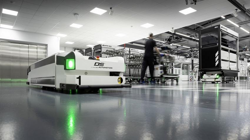 Động cơ bốn xi lanh tăng áp mới của Mercedes-AMG có công suất 382 mã lực ở dòng A45 và 415 mã lực ở dòng A45 S - 4
