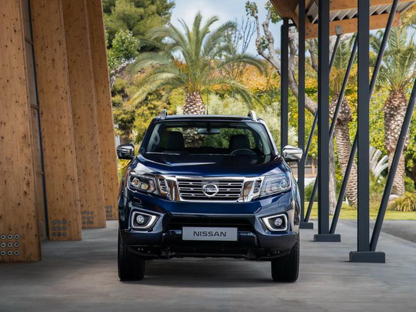 xe bán tải Nissan Navara 2020
