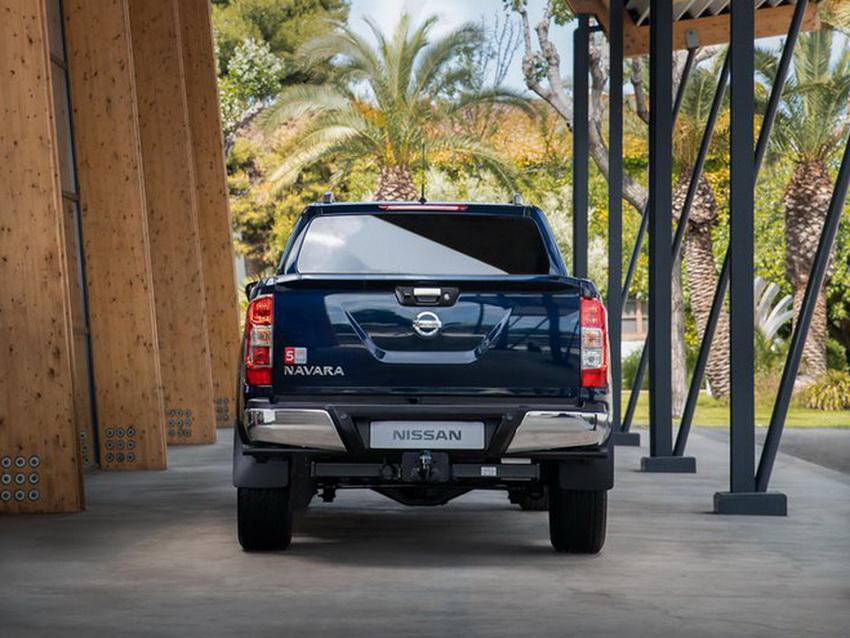 Mẫu xe bán tải Nissan Navara 2020 ra mắt tại thị trường Anh 3