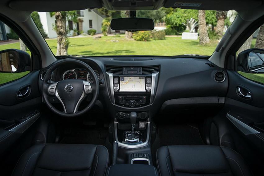 Mẫu xe bán tải Nissan Navara 2020 ra mắt tại thị trường Anh 5