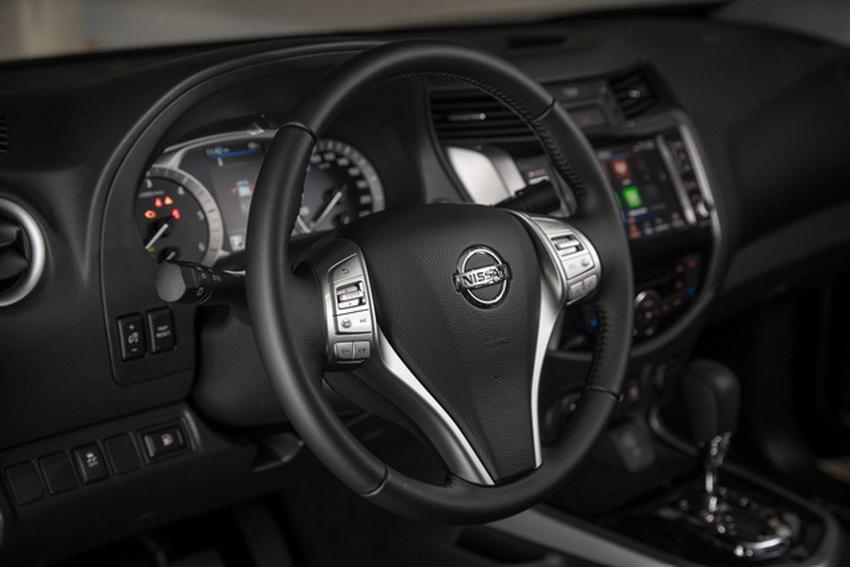 Mẫu xe bán tải Nissan Navara 2020 ra mắt tại thị trường Anh 6
